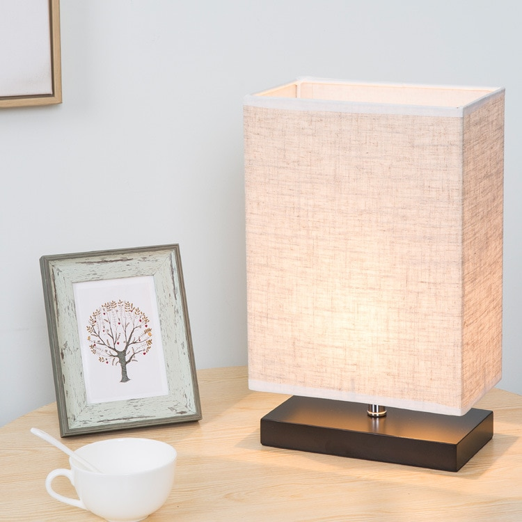 Lampe rectangulaire avec un abat-jour en lin
