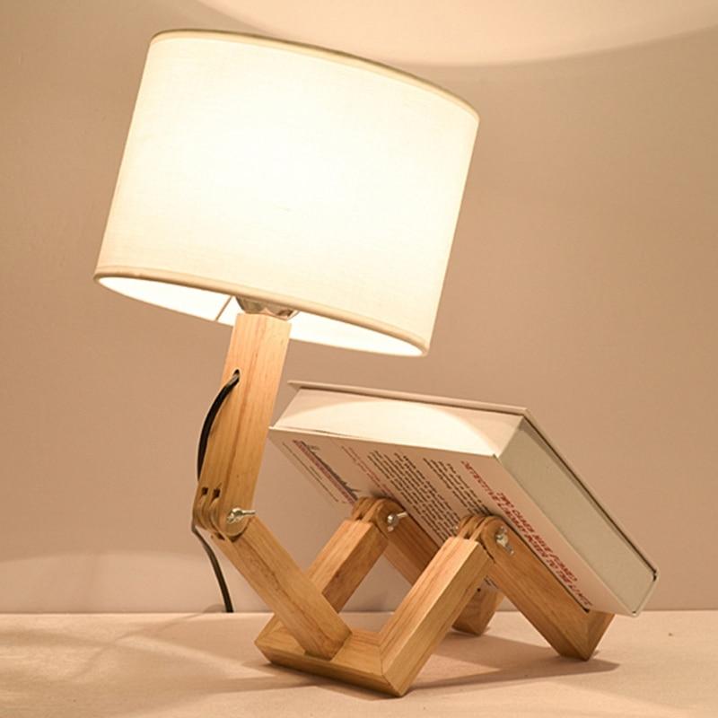 Lampe en forme de robot en bois
