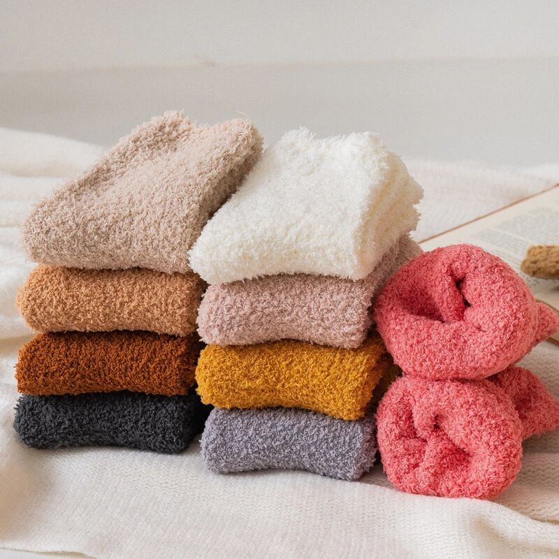 Chaussettes peluches unies