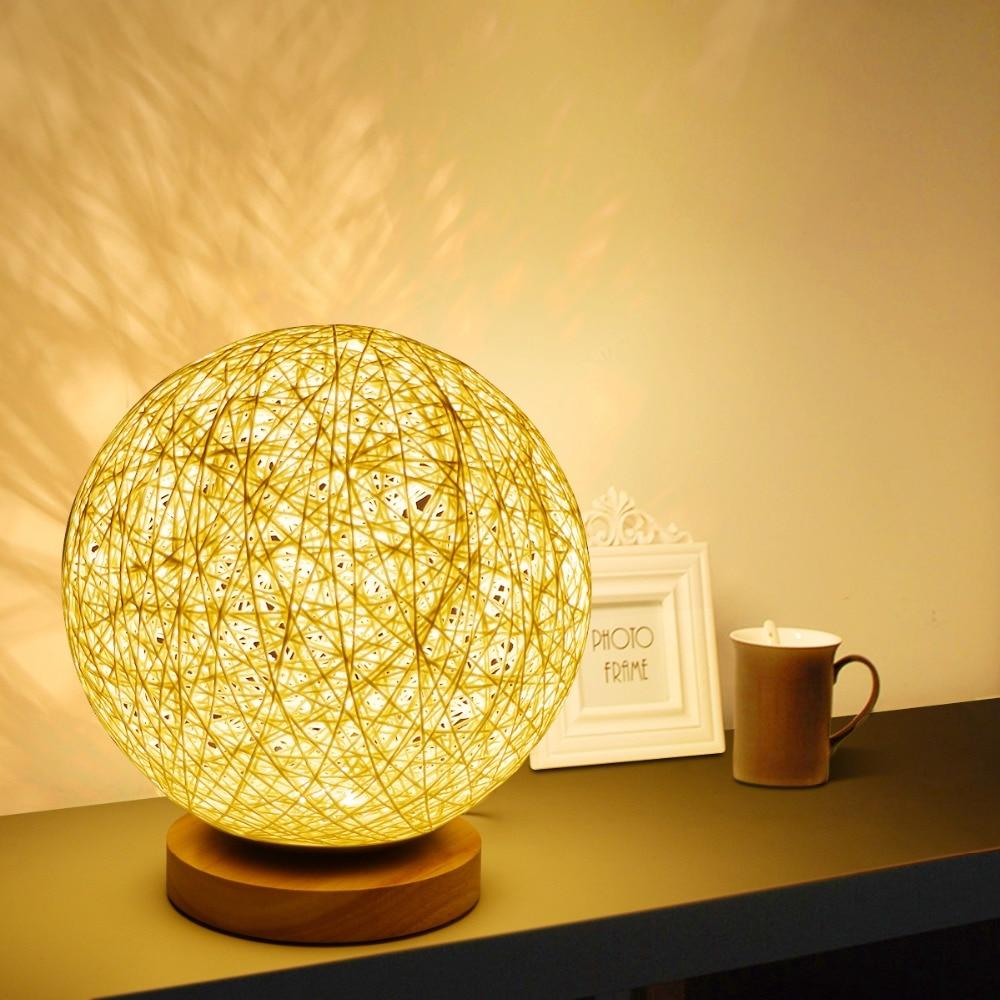 Lampe ronde en osier à intensité de lumière réglable