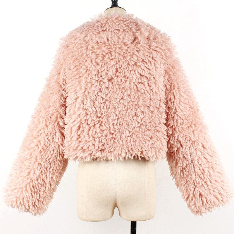 Veste courte fausse fourrure imitation poils de mouton
