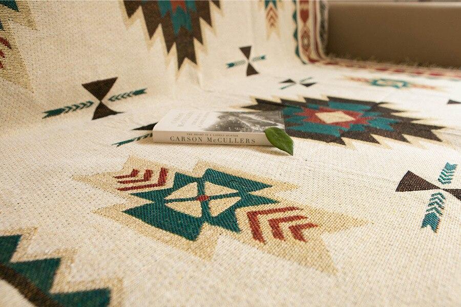 Plaid cocooning tricoté style bohème ethnique