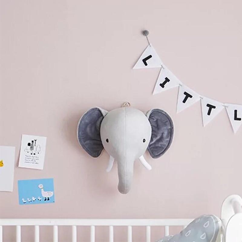 Décoration murale en forme de têtes d'animaux en peluche pour une chambre d'enfant