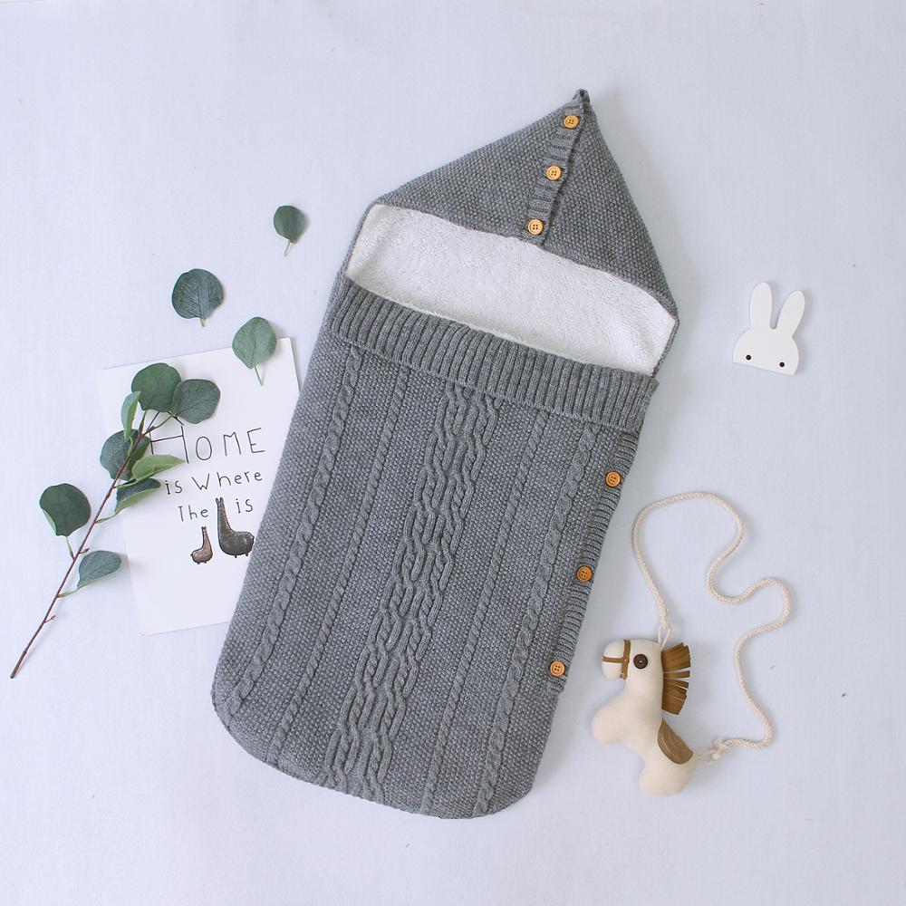 Gigoteuse pour bébé en tricot