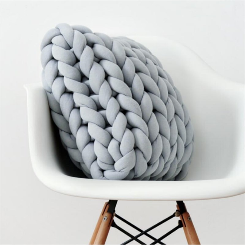 Coussin grosses mailles