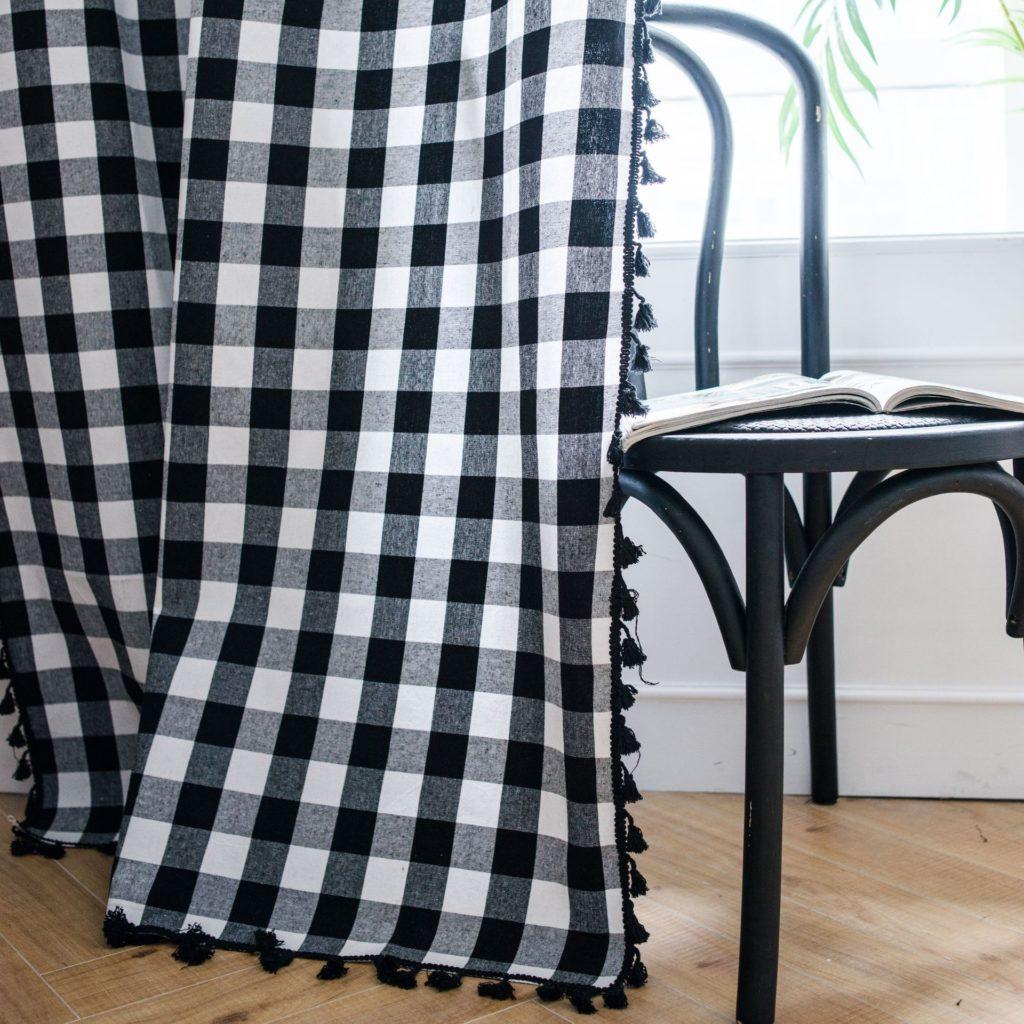 Rideau à carreaux noir et blanc en lin de coton et franges