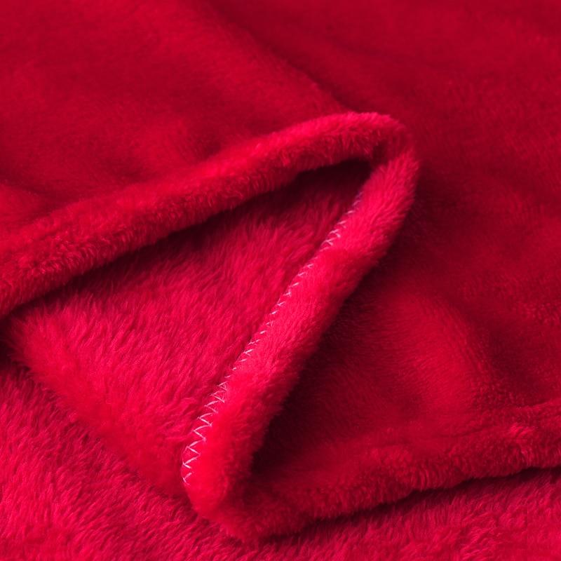 Couverture en flanelle rouge toute douce
